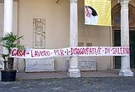 Salerno, presidio di disoccupati al duomo Il vescovo Moretti riceve una delegazione