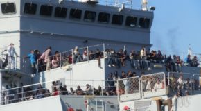 Arrivano 1017 migranti al porto di Salerno