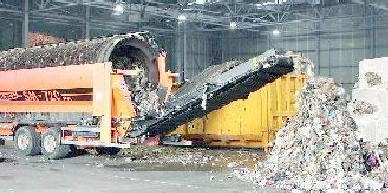 Sala Consilina, i rifiuti si gettano al suono della sveglia
